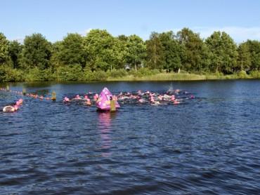 Zwemmen vrouwentriathlon Nijeveen