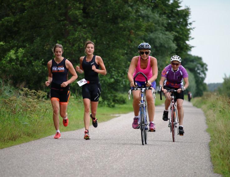 Hardlopen en fietsen in Beesd