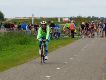 Tamara op de fiets