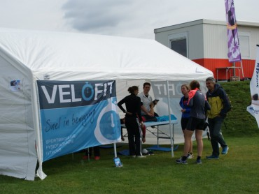 Masseurs van Velofit aan de slag bij de Vrouwentriathlon Utrecht