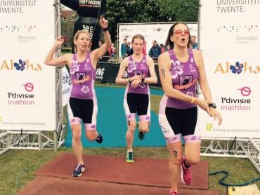 Finishfoto 1eDivisieteam Siosport-Vrouwentriathlon