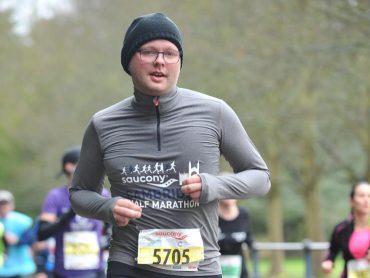Jan Feenstra aan het hardlopen.