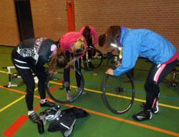 Clinic fietsband wisselen